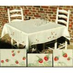Haandarbejdets Fremme Stickpackung 06-9874 Tischdecke Erdbeeren 140x140