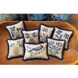 Priscillas Pocket Stickvorlage Stoneware Pinpillows II