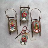 Foxwood Crossings Stickvorlage Elf Folk Sled