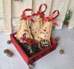 MTV Designs Stickvorlage Christmas Trees Ornaments